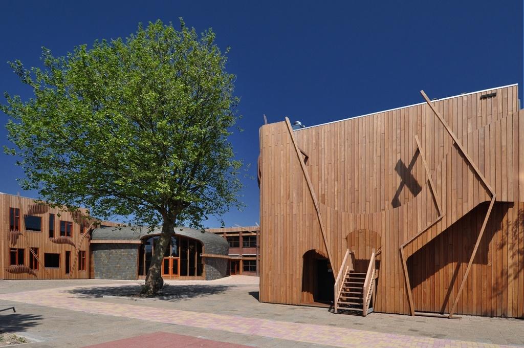 Project-Louro-Gamela-gevelbekleding-Mare-college-Leiden1